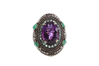 Lot 344 - AN AMETHYST, EMERALD AND DIAMOND RING