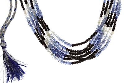 Lot 489 - A BEADED SAPPHIRE NECKLACE