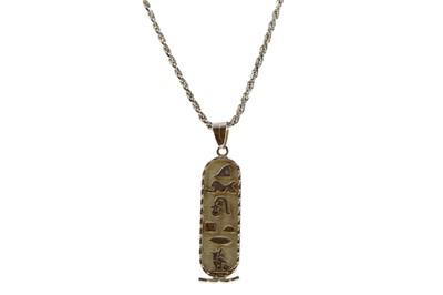 Lot 307 - AN EGYPTIAN PENDANT ON CHAIN