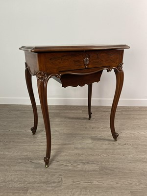 Lot 1661 - A VICTORIAN ROSEWOOD NEEDLEWORK TABLE