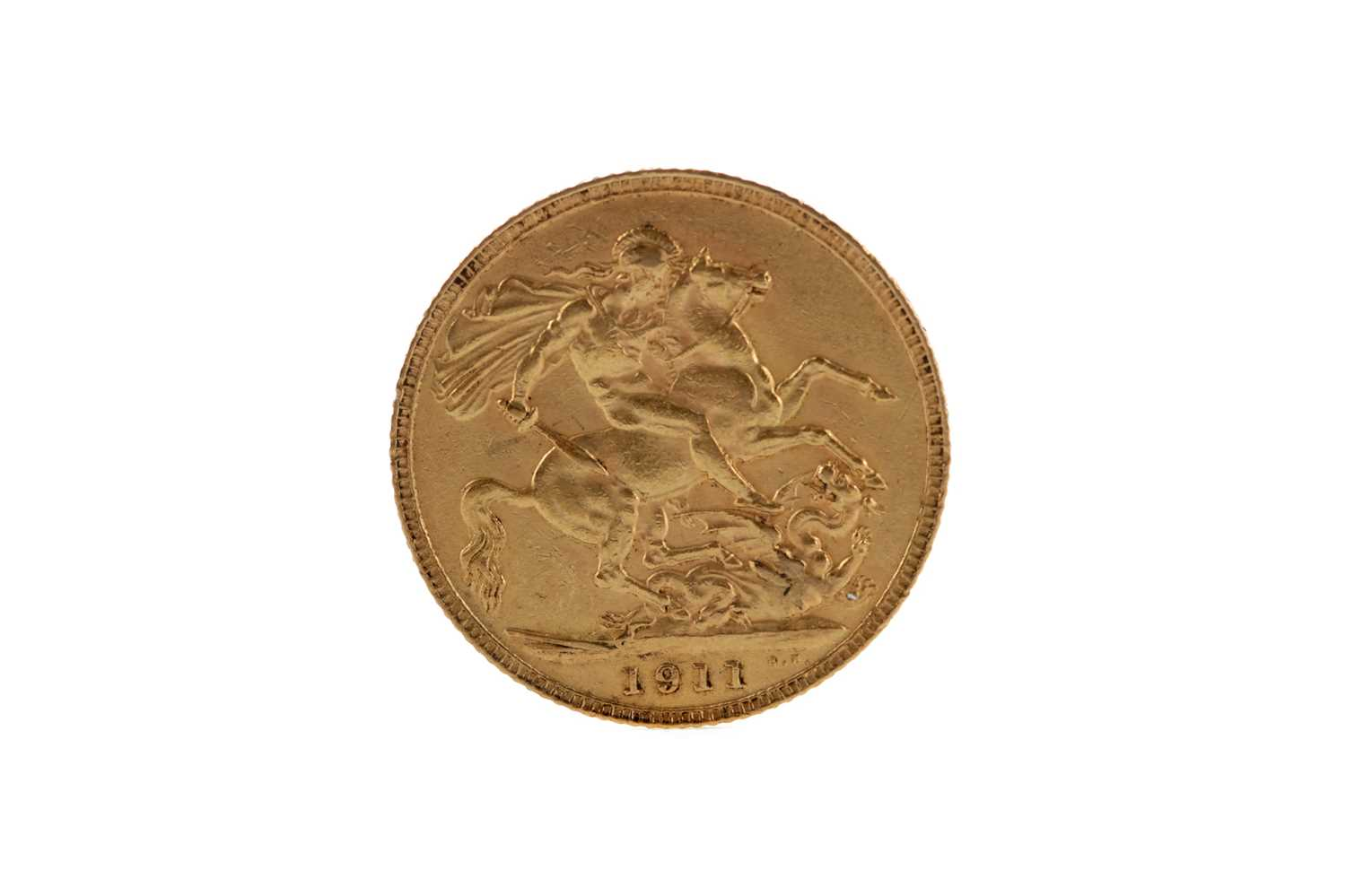 Lot 39 - A GOLD SOVEREIGN DATED 1911