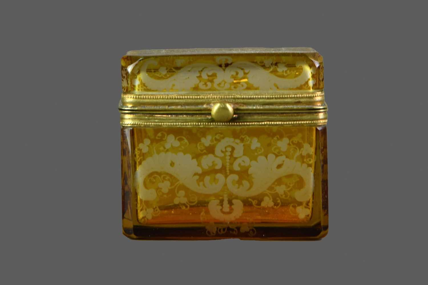 Lot 52 - A LATE 19TH CENTURY BOHEMIAN AMBER FLASHED GLASS CASKET