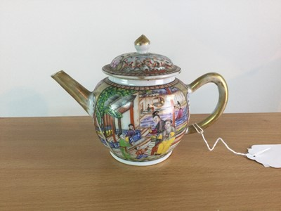 Lot 3 - A 19TH CENTURY CHINESE FAMILLE ROSE TEAPOT AND COVER
