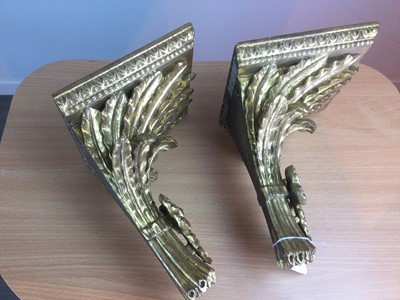 Lot 76 - A PAIR OF GILTWOOD WALL BRACKETS