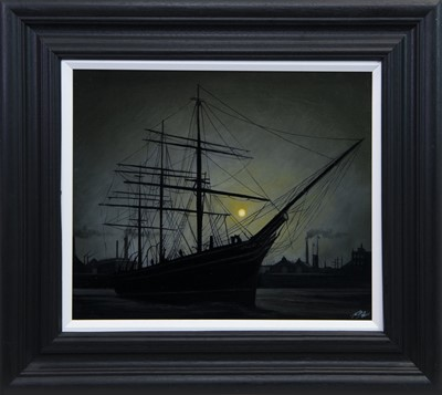 Lot 517 - THE CUTTY SARK IN MOONLIGHT, AN OIL BY RYAN MUTTER