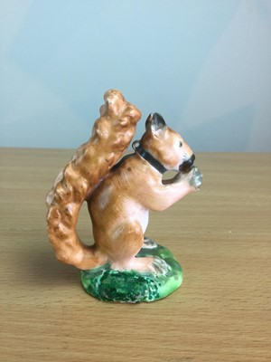 Lot 17 - A LATE 18TH CENTURY ENGLISH PORCELAIN RED SQUIRREL