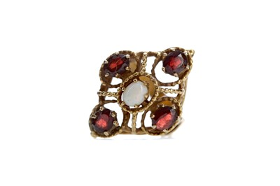 Lot 538 - A GARNET AND OPAL CLUSTER RING