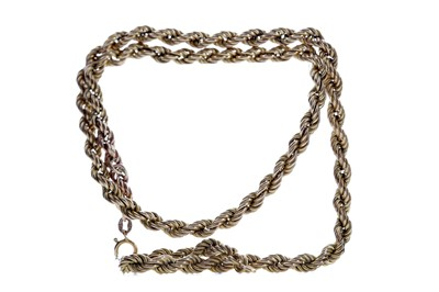 Lot 392 - A ROPETWIST CHAIN