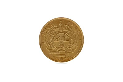 Lot 48 - A GOLD SOUTH AFRICAN ONE POND COIN DATED 1898