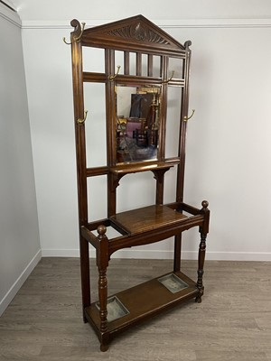 Lot 1628 - A LATE VICTORIAN OAK HALL STAND