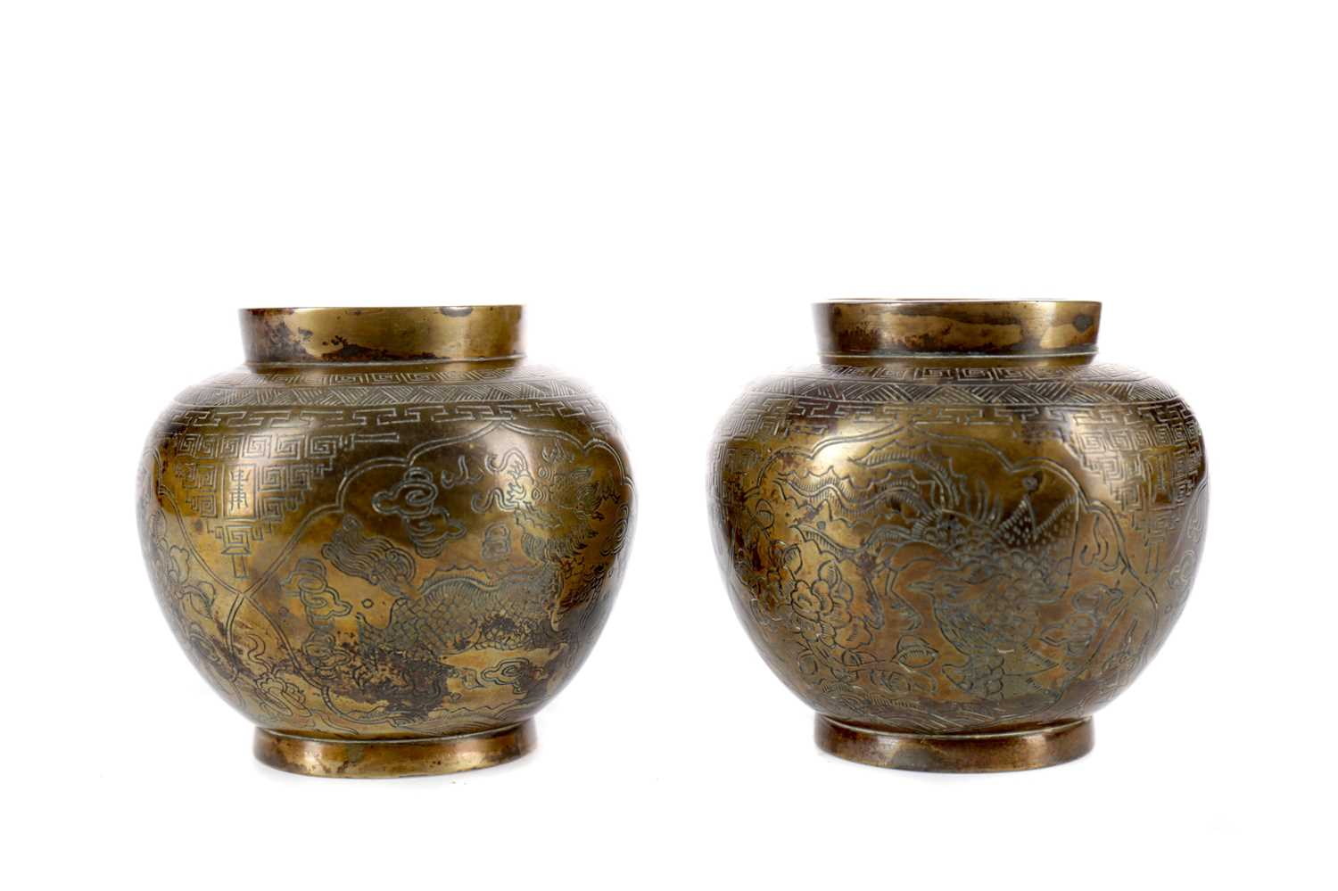 Lot 734 - A PAIR OF EARLY 20TH CENTURY CHINESE BRONZE VASES