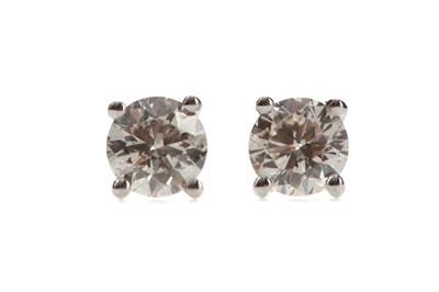 Lot 517 - A PAIR OF DIAMOND STUD EARRINGS