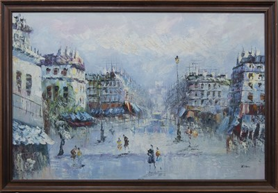 Lot 66 - ON THE STREET, AN OIL BY R DAVEY