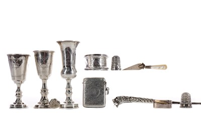 Lot 470 - A LOT OF THREE EARLY 20TH CENTURY SILVER LIQUEUR CUPS, ALONG WITH OTHER SILVER ITEMS