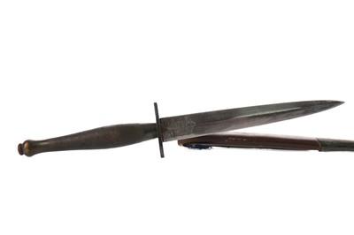 Lot 1685 - A FAIRBAIRN SYKES FIGHTING KNIFE