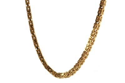 Lot 1396 - A NINE CARAT GOLD FANCY LINK CHAIN