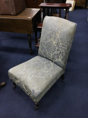 Lot 32 - A LATE VICTORIAN NURSING CHAIR