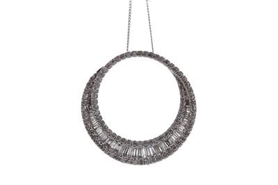 Lot 1490 - A DIAMOND CIRCLE PENDANT