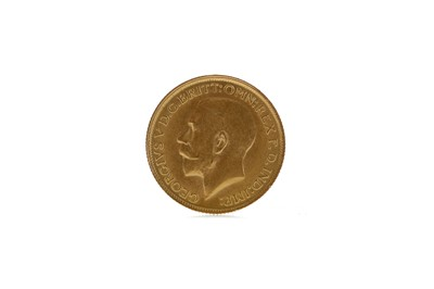 Lot 12 - A GOLD SOVEREIGN DATED 1915