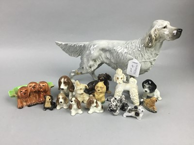 Lot 4 - A BESWICK FIGURE OF AN ENGLISH SETTER AND OTHER ITEMS