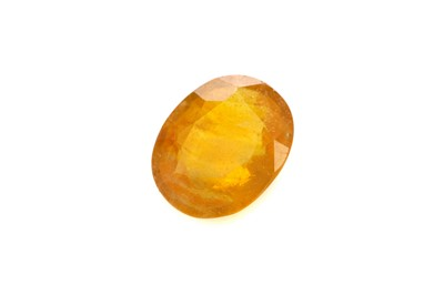 Lot 365 - A CERTIFICATED UNMOUNTED YELLOW SAPPHIRE
