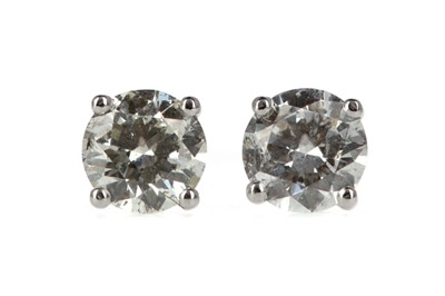 Lot 341 - A PAIR OF DIAMOND STUD EARRINGS