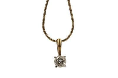 Lot 337 - A DIAMOND SOLITAIRE PENDANT