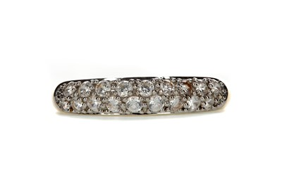 Lot 388 - A WHITE GEM SET RING