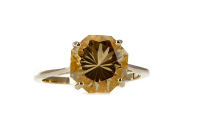 Lot 357 - A CITRINE RING