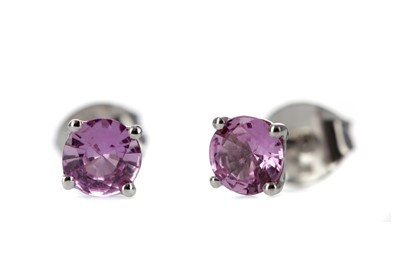 Lot 379 - A PAIR OF PINK SAPPHIRE STUD EARRINGS