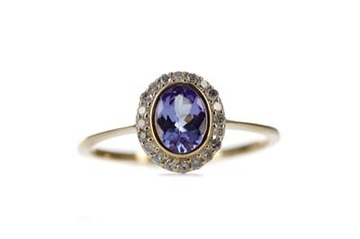 Lot 431 - A TANZANITE AND DIAMOND RING