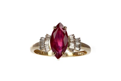 Lot 457 - A RUBY AND DIAMOND RING