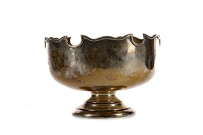 Lot 407 - AN EDWARDIAN SILVER MONTEITH