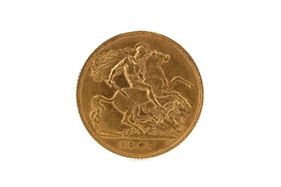 Lot 60 - A GOLD HALF SOVEREIGN DATED 1907