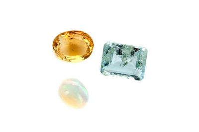 Lot 401 - THREE CERTIFICATED UNMOUNTED GEMS