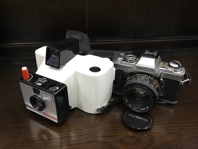 Lot 99 - A LOT OF TWO CAMERAS AND OTHER ITEMS