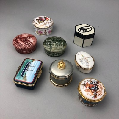 Lot 37 - A LOT OF HALCYON DAYS AND OTHER TRINKET BOXES