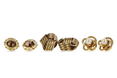 Lot 803 - A COLLECTION OF EARRINGS
