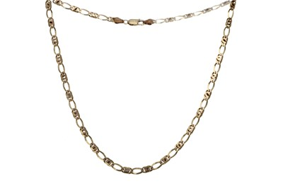 Lot 808 - A GOLD CHAIN