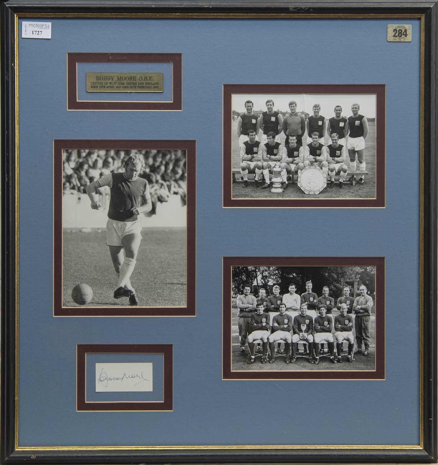 Lot 1727 - BOBBY MOORE ENGLAND AND WEST HAM F.C. AUTOGRAPH DISPLAY
