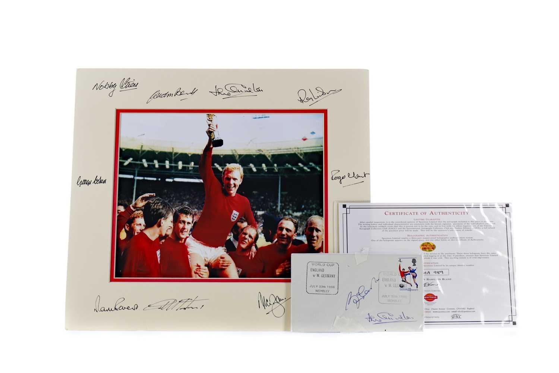 Lot 1736 - AN ENGLAND INTERNATIONAL 1966 WORLD CUP WINNERS AUTOGRAPH DISPLAY