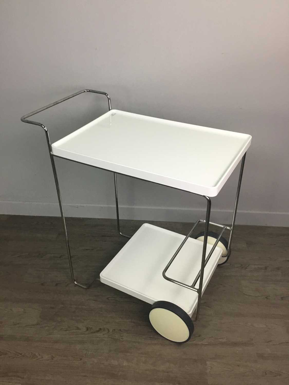 Lot 1337 - A CALLIGARIS MODERNIST DRINKS TROLLEY