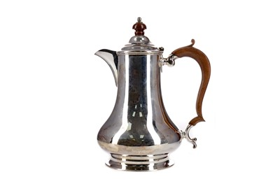 Lot 432 - A GEORGE V SILVER HOT WATER POT