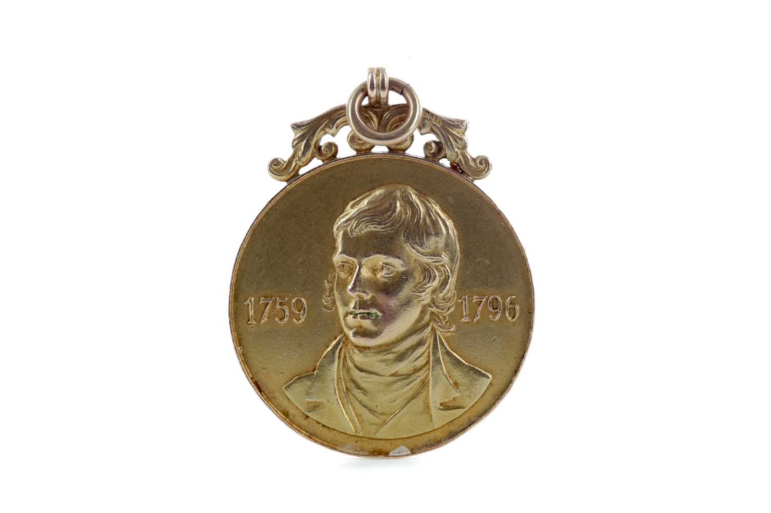 Lot 1751 - A ROBERT BURNS GOLD MEDAL, AWARDED TO DOUGIE GRAY IN 1928