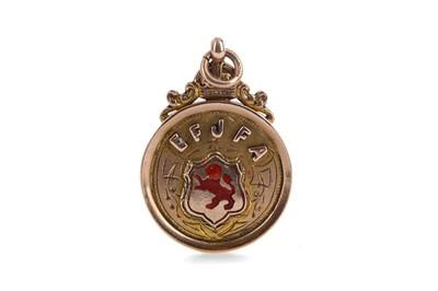 Lot 1752 - AN EARLY 20TH CENTURY EFJFA GOLD MEDAL