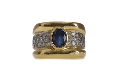 Lot 844 - A SAPPHIRE AND DIAMOND RING