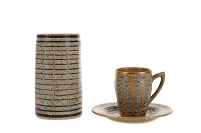 Lot 1026 - A CLARICE CLIFF MID 20TH CENTURY 'GOLDSTONE' PATTERN SPILL VASE, ALONG WITH A MATCHED CABINET CUP
