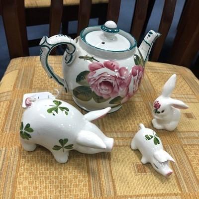 Lot 1 - A WEMYSS TEA POT AND PLICKTA ANIMALS