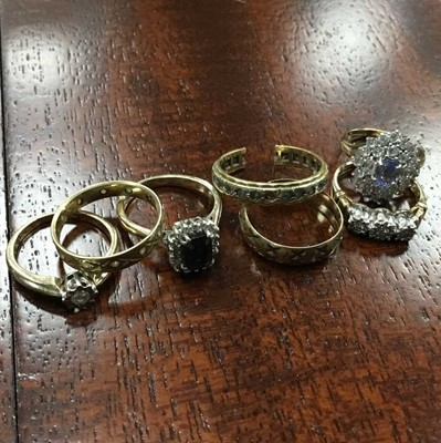 Lot 20A - SEVEN VARIOUS GEM SET AND OTHER GOLD RINGS
