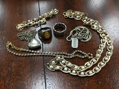 Lot 50A - A SIMULATED PEARL NECKLACE WITH BRACELET AND OTHERS